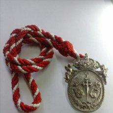 Antigüedades: MEDALLA HERMANDAD DE SANTIAGO APOSTOL DE CASTILLEJA DE LA CUESTA, SEVILLA. Lote 52551434