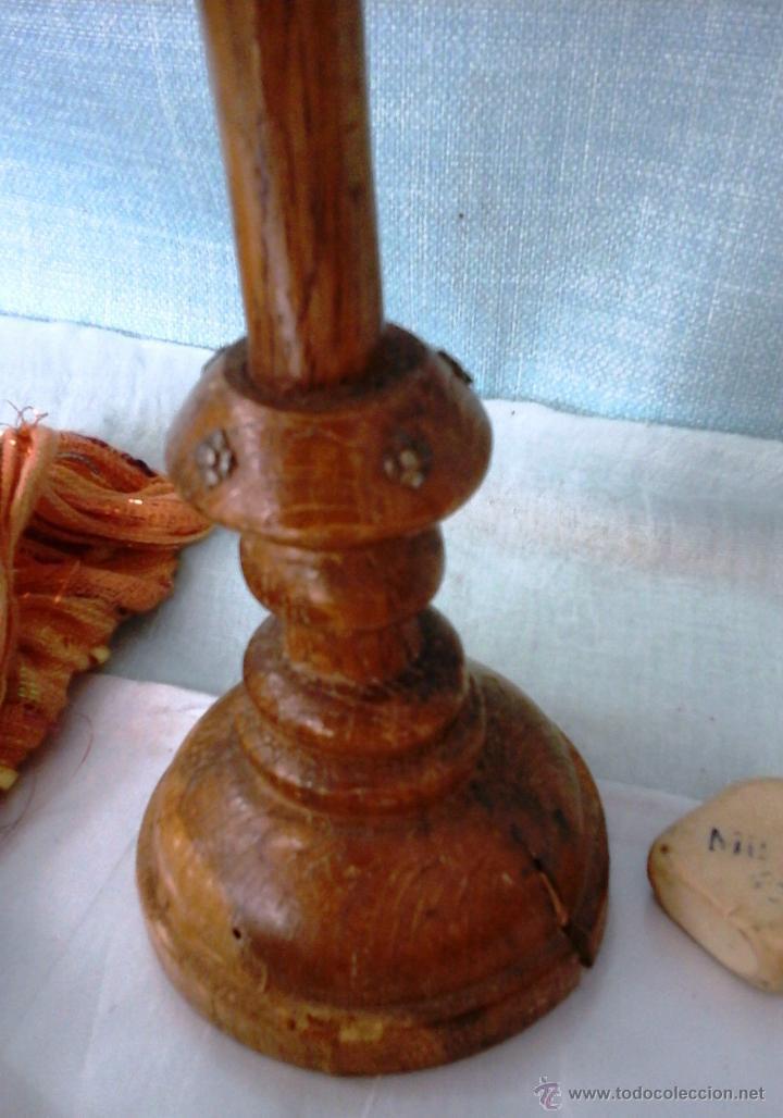 Antigüedades: CRUCIFIJO Y CRISTO. VIEJO. EN MADERA TORNEADA. - Foto 3 - 52575130