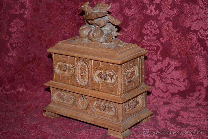 Antigüedades: PRECIOSO JOYERO EN MADERA DE NOGAL FINAMENTE TALLADA,S. XIX - Foto 3 - 52588058