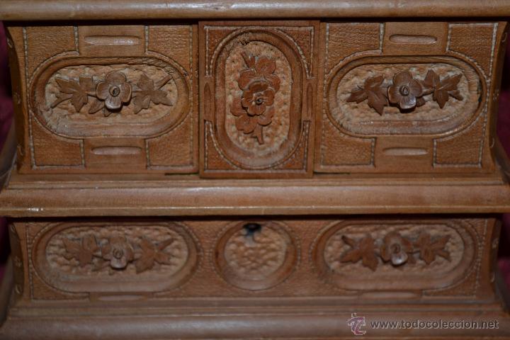 Antigüedades: PRECIOSO JOYERO EN MADERA DE NOGAL FINAMENTE TALLADA,S. XIX - Foto 6 - 52588058