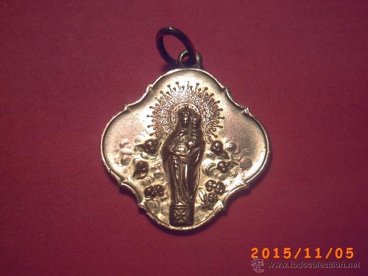 MEDALLA DE LA VIRGEN DEL PILAR - AL DORSO GRABADAS LAS LETRA N P - CHAPADA - (Antigüedades - Religiosas - Medallas Antiguas)