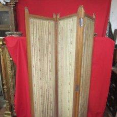 Antigüedades: BONITO BIOMBO MODERNISTA DE TRES HOJAS EN MADERA. ENTELADO.. Lote 52627786
