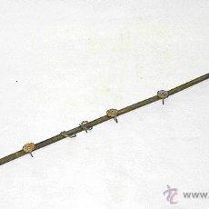 Antigüedades: BARRA-GUÍA-RASTREL PARA VISILLOS. BRONCE O LATÓN CON BAÑO DE ORO. SIGLO XIX. VISILLO-CORTINA. Lote 52636808