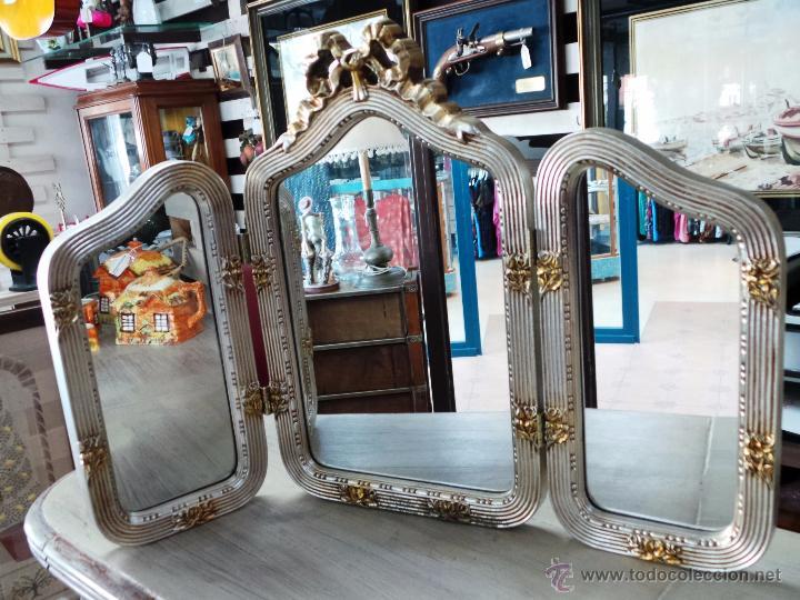 elegante espejo para tocador de tres hojas