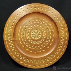 Antigüedades: PLATO DE MADERA TALLADA. Lote 52643542