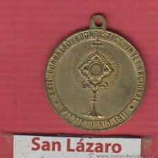 Antigüedades: MEDALLA RELIGIOSA XXII CONGRESO EUCARISTICO INTERNACIONAL 1911 METAL DORADO DIAM. 2,82CM MR024. Lote 52647212