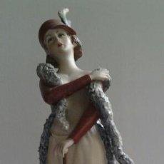 Antigüedades: FIGURA DAMA AÑOS 20 PORCELANA. Lote 52650106