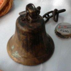 Antigüedades: CAMPANILLA DE BRONCE. ANTIGUA. PEQUEÑO Y PRECIOSO TAMAÑO.. Lote 269602553