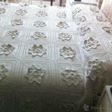 Antigüedades: COLCHA DE GANCHILLO. Lote 52700477