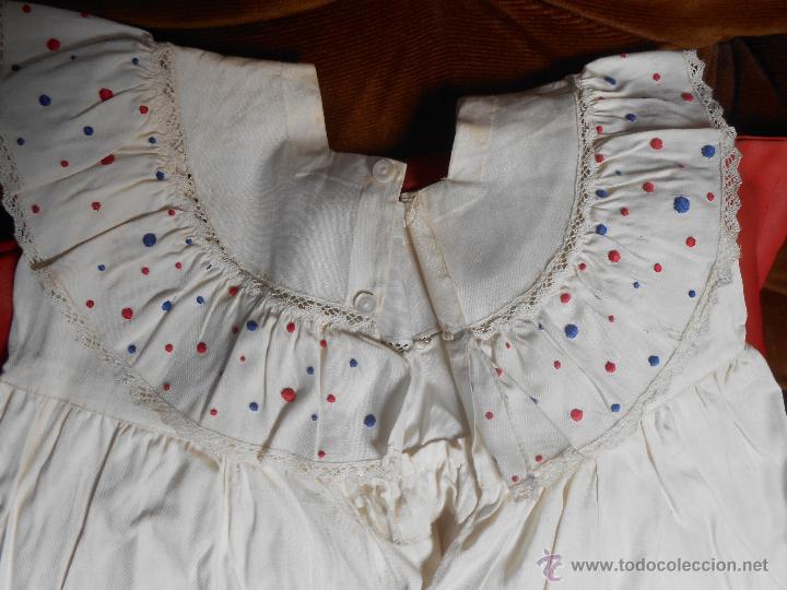 Antigüedades: VESTIDO NIÑA -Con bordados Realizado a mano - año 1947- - Foto 5 - 52737697