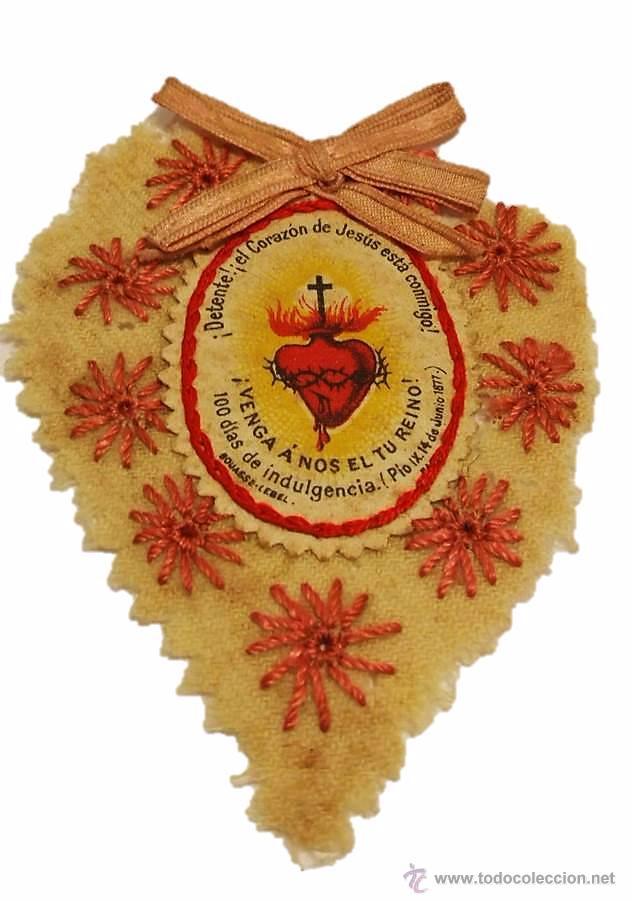 ANTIGUO ESCAPULARIO CORAZON DE JESUS DETENTE DE TELA- GUERRA CIVIL (Antigüedades - Religiosas - Escapularios Antiguos)