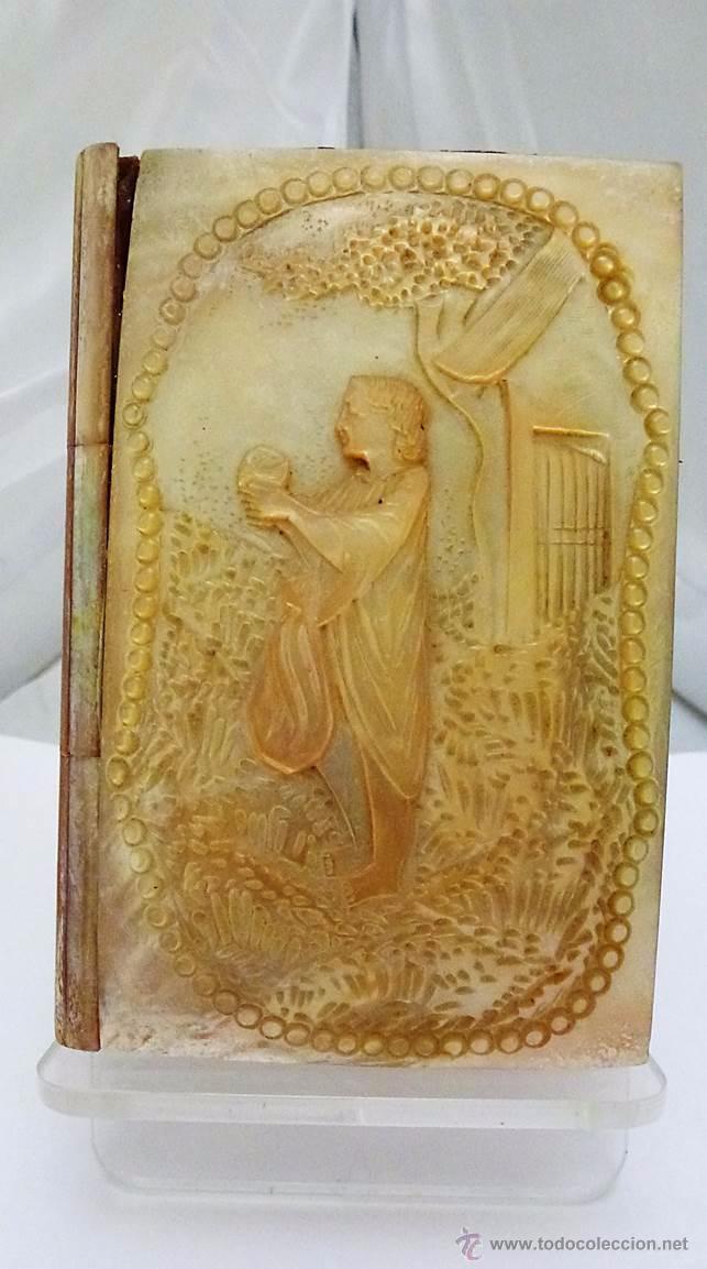 ANTIGUO CARNET DE BAILE RELIEVE TALLADO EN NACAR - FRANCIA SIGLO XIX (Antigüedades - Moda y Complementos - Mujer)