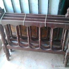 Antigüedades: JUEGO DE DOS CAMAS PEQUEÑAS DE MADERA. Lote 52751813