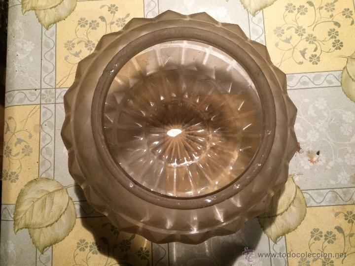 Antigüedades: Antigua tulipa / globo central de lampara de cristal tallado, años 30-40 - Foto 4 - 52753430