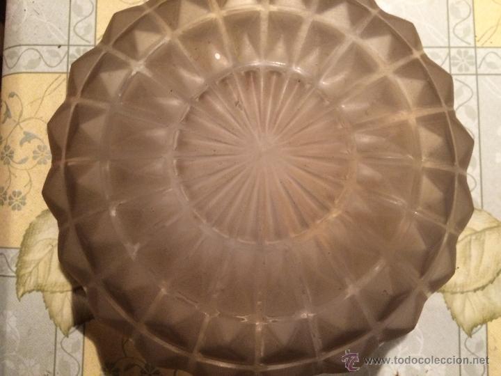 Antigüedades: Antigua tulipa / globo central de lampara de cristal tallado, años 30-40 - Foto 6 - 52753430