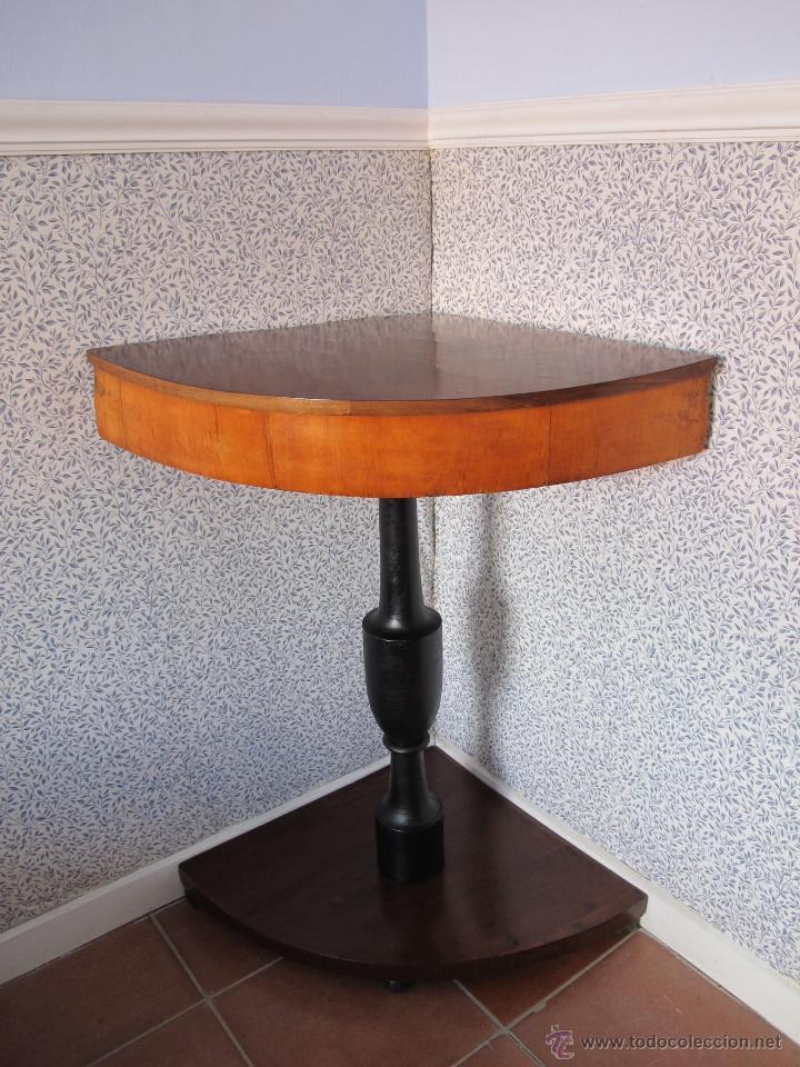 PRECIOSO VELADOR DE ESQUINA S. XIX (Antigüedades - Muebles Antiguos - Veladores Antiguos)
