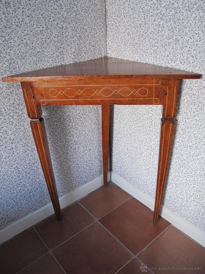 PAREJA DE BONITOS VELADORES DE ÉPOCA CARLOS IV (Antigüedades - Muebles Antiguos - Veladores Antiguos)