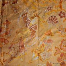 Antigüedades: COLCHA ANTIGUA DE RASO ADAMASCADA CHINESCA. Lote 52766847