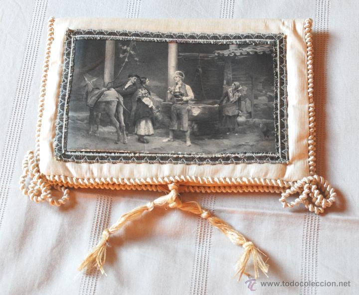 BOLSA DE SEDA CON ILUSTRACIÓN PARA PAÑUELOS DEL S. XIX (VER FOTOS ADICIONALES) (Antigüedades - Moda - Pañuelos Antiguos)