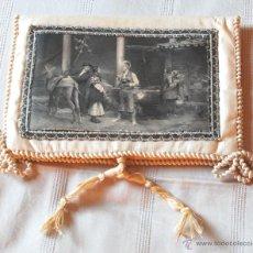 Antigüedades: BOLSA DE SEDA CON ILUSTRACIÓN PARA PAÑUELOS DEL S. XIX (VER FOTOS ADICIONALES). Lote 52781699
