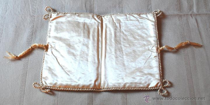 Antigüedades: Bolsa de seda con ilustración para pañuelos del s. XIX (ver fotos adicionales) - Foto 2 - 52781699