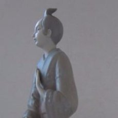 Antigüedades: FIGURA EN PORCELANA - PERSONAJE JAPONES. Lote 52801944