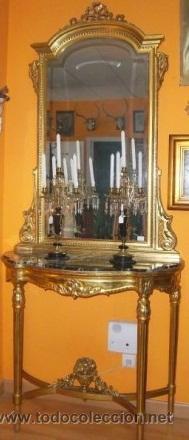 CONSOLA TALLADA Y DORADA, CON ESPEJO BISELADO. FINALES DEL SIGLO XIX. (Antigüedades - Muebles Antiguos - Consolas Antiguas)