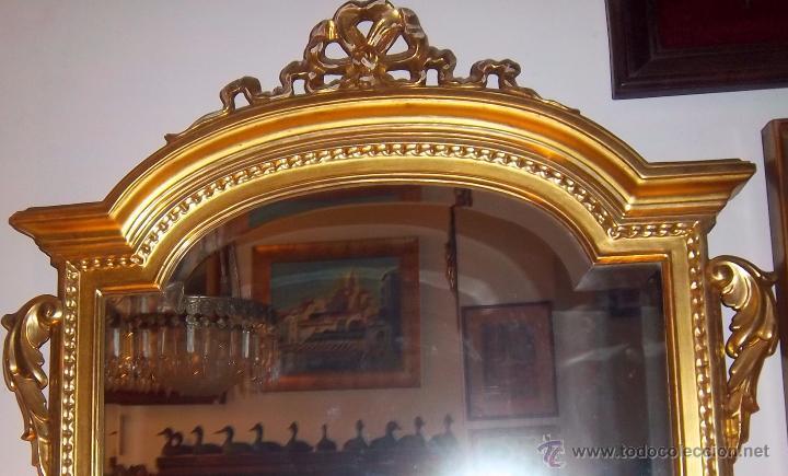 Antigüedades: CONSOLA TALLADA Y DORADA, CON ESPEJO BISELADO. FINALES DEL SIGLO XIX. - Foto 4 - 52811142