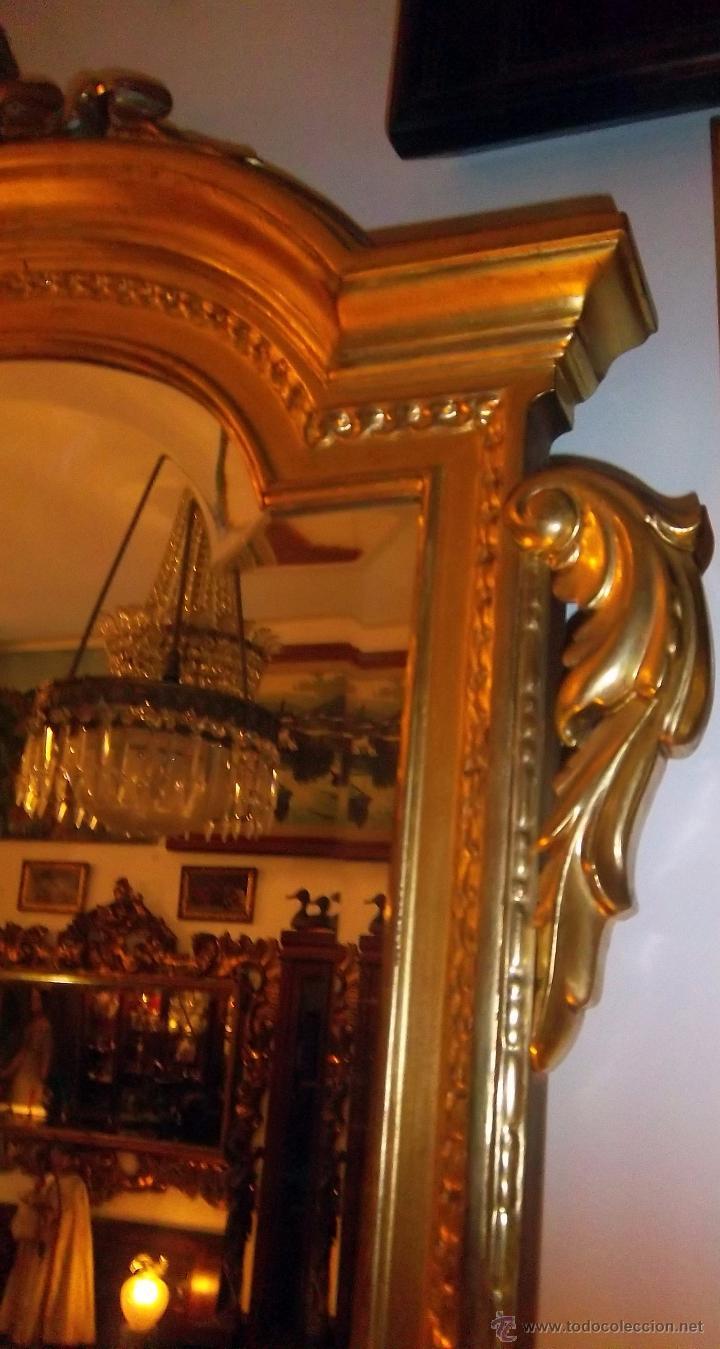 Antigüedades: CONSOLA TALLADA Y DORADA, CON ESPEJO BISELADO. FINALES DEL SIGLO XIX. - Foto 5 - 52811142