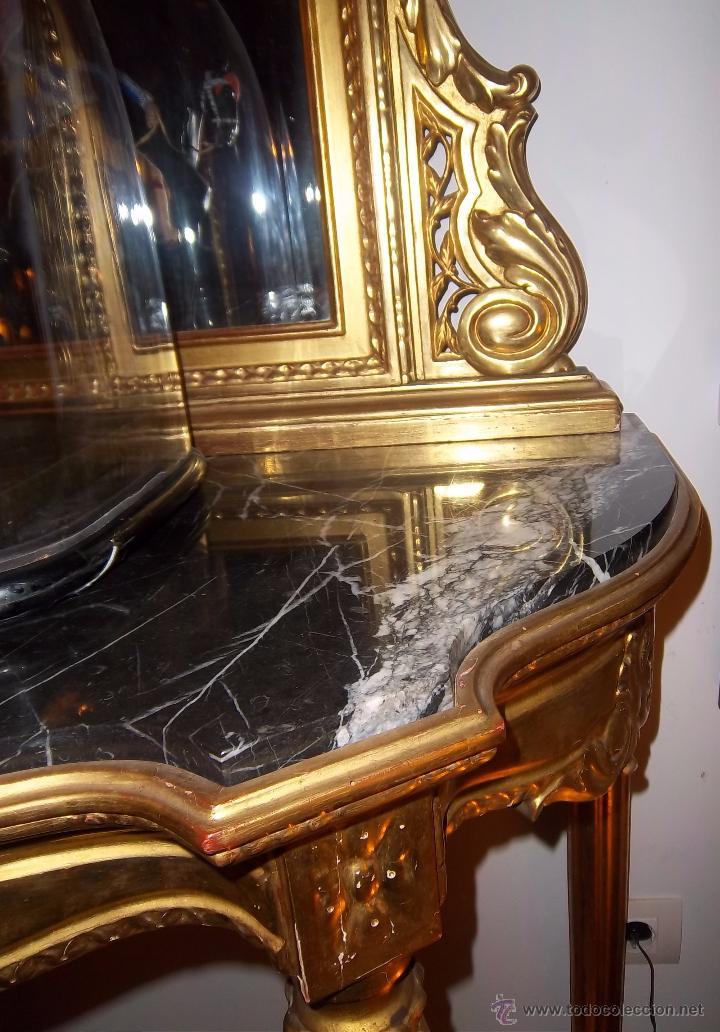 Antigüedades: CONSOLA TALLADA Y DORADA, CON ESPEJO BISELADO. FINALES DEL SIGLO XIX. - Foto 10 - 52811142