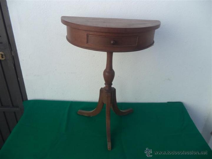 PEQUEÑA CONSOLA (Antigüedades - Muebles Antiguos - Consolas Antiguas)