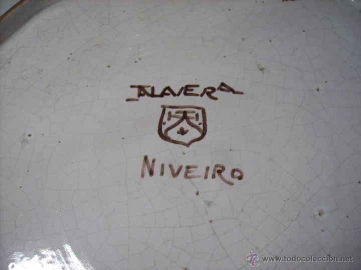 Antigüedades: GRAN PLATO CERÁMICA DE TALAVERA XIX ( NIVEIRO ) - Foto 13 - 52827010