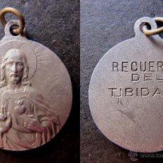 Antigüedades: MEDALLA RELIGIOSA ANTIGUA RECUERDO DEL TIBIDABO. Lote 52848997
