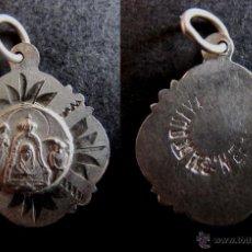 Antigüedades: MEDALLA RELIGIOSA ANTIGUA NUESTRA SEÑORA DE LA CUEVA VIRGEN CASTELLON PLATA CINCELADA SIGLO XIX. Lote 52882845
