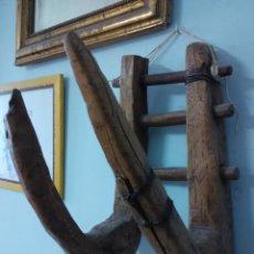 Antigüedades: PIEZA RUSTICA. GANCHO PARA COLOCAR SOBRE ALBARDA. Lote 52889029