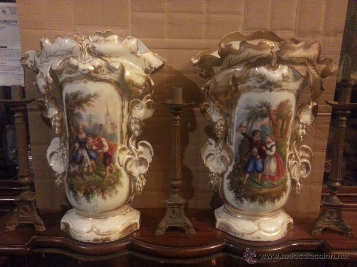 GIGANTES PAREJA DE JARRONES ISABELINOS 47 X 32 CM VER FOTOS LEER, IDEAL CAPILLA VIRGEN ALTAR (Antigüedades - Hogar y Decoración - Jarrones Antiguos)