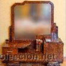 Antigüedades: TOCADOR CÓMODA CON ESPEJO ART DECÓ DE RAIZ DE NOGAL, CAOBA Y MADERA DE ZEBRANO. FRANCIA AÑOS 30. Lote 52922537