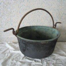 Antigüedades: CALDERO DE COBRE CON ASA DE HIERRO FORJADO. Lote 52926150