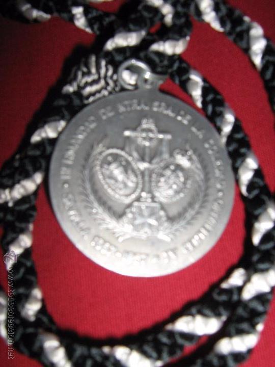 Antigüedades: SEMANA SANTA SEVILLA - ANTIGUA MEDALLA 4º - IV CENTENARIO HDAD SOLEDAD SAN LORENZO - 1557/1957 - Foto 2 - 52933873