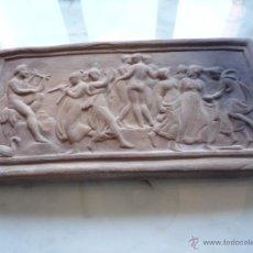 Antigüedades: PLACA RELIEVE ESTUCO ESCENA MITOLÓGICA TERRACOTA TERRISSA CERÁMICA NEGRA CATALANA AÑOS 40 ¡ÚNICO TC!. Lote 52934151