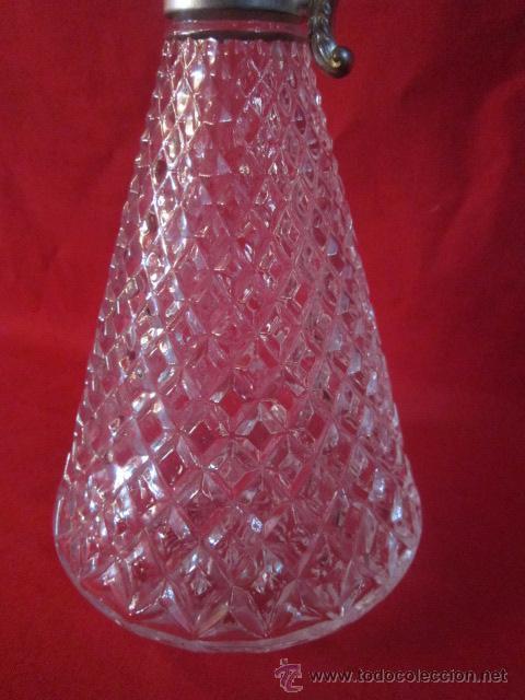 Antigüedades: Jarra en cristal tallado a diamante y metal. Con tapón. Del s. XIX. - Foto 5 - 52940440