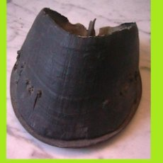 Antigüedades: CASCO CABALLO CENICERO HERRERO HERRADURA VETERINARIA. Lote 52953864