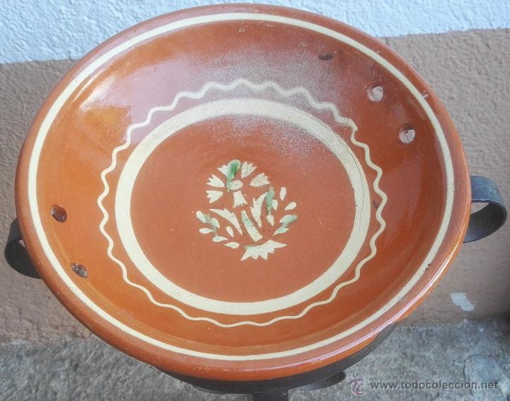 ALFARERÍA CATALANA PLATO DE LA BISBAL DEL CERAMISTA SALOMÓ, S. XX. (Antigüedades - Porcelanas y Cerámicas - La Bisbal)