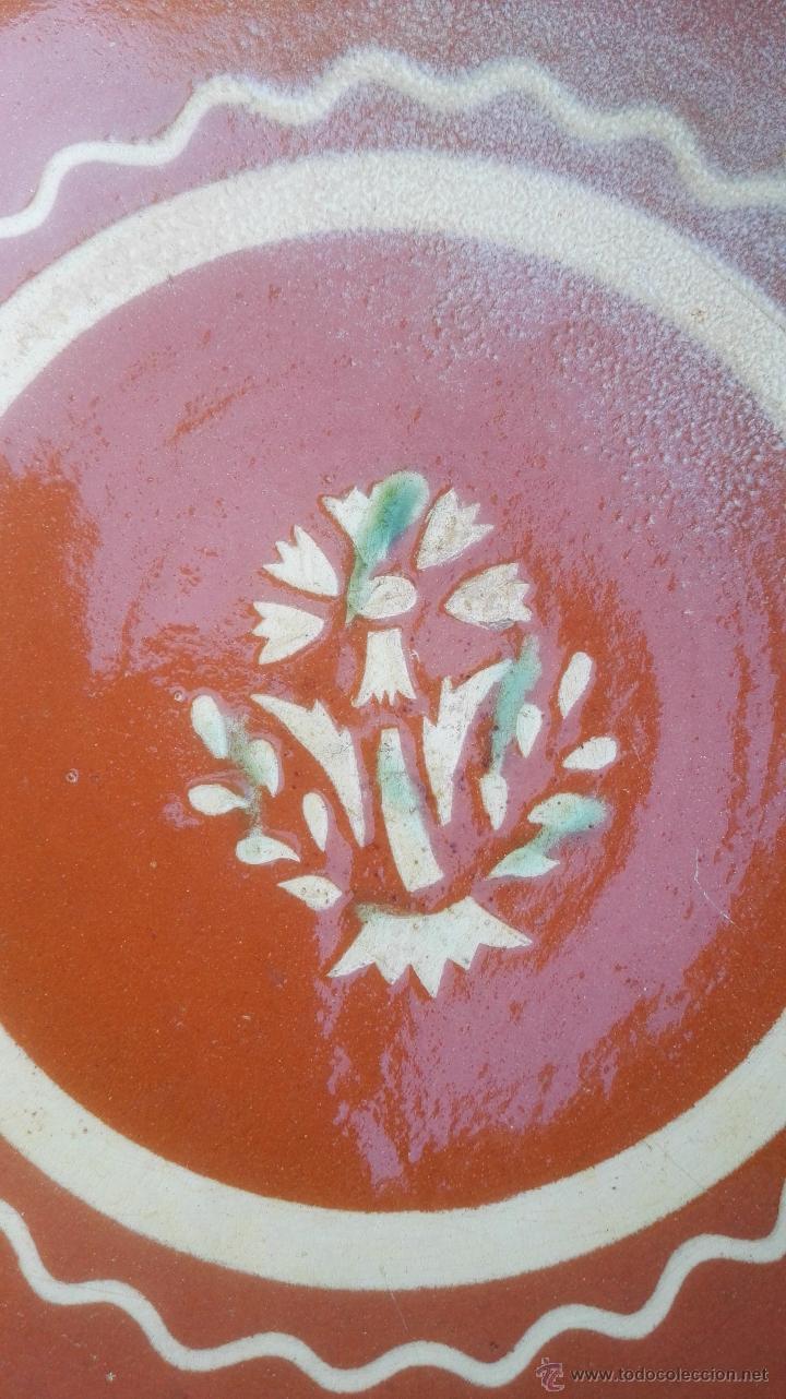 Antigüedades: Alfarería catalana plato de la Bisbal del ceramista Salomó, s. XX. - Foto 2 - 52966181