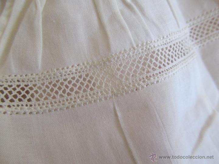 Antigüedades: Vestido de tirantes de hilo para bebé con encaje de bolillos - Foto 5 - 52968311