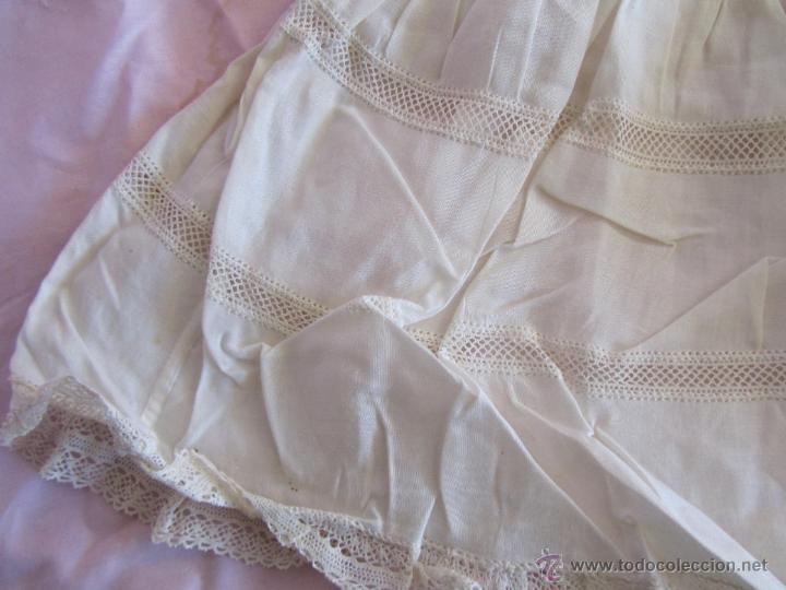 Antigüedades: Vestido de tirantes de hilo para bebé con encaje de bolillos - Foto 13 - 52968311