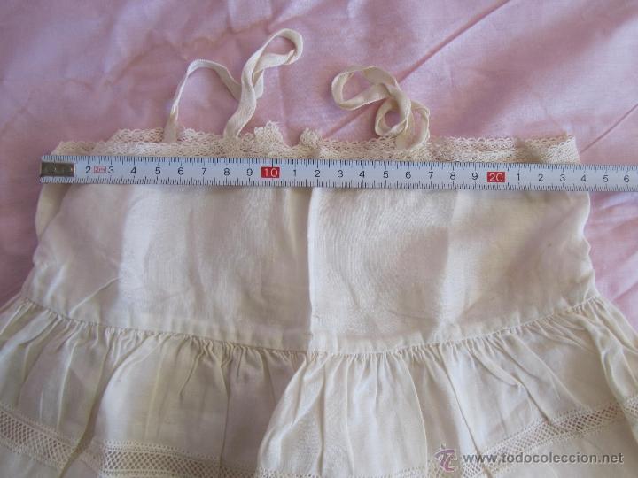 Antigüedades: Vestido de tirantes de hilo para bebé con encaje de bolillos - Foto 16 - 52968311