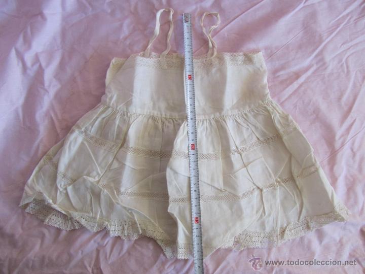 Antigüedades: Vestido de tirantes de hilo para bebé con encaje de bolillos - Foto 18 - 52968311