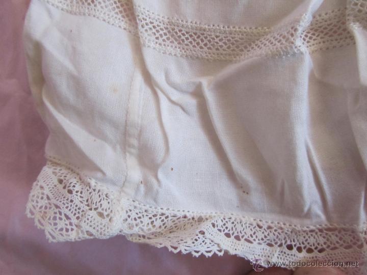 Antigüedades: Vestido de tirantes de hilo para bebé con encaje de bolillos - Foto 19 - 52968311