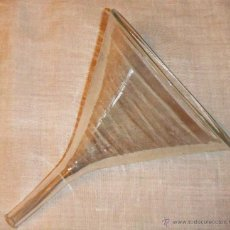 Antigüedades: ANTIGUO EMBUDO DE CRISTAL SOPLADO . Lote 52969670